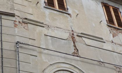 Crollo di calcinacci in via Galileo Ferraris