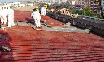 Le immagini della rimozione dell'amianto dal tetto dell'ospedale S. Andrea