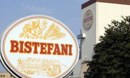 Operai in cima al silos della Bistefani