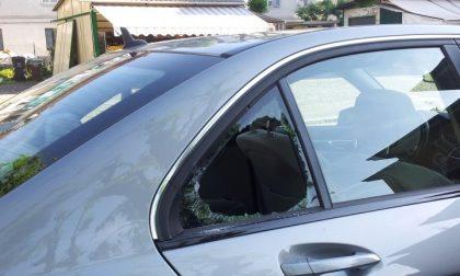 Corso San Martino: fracassati i vetri di auto in sosta