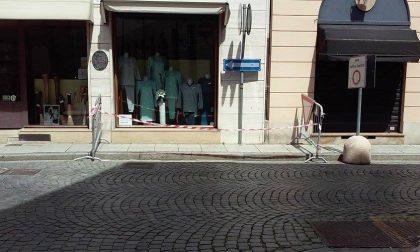 Via Galileo Ferraris, ancora una caduta di calcinacci – La fotogallery