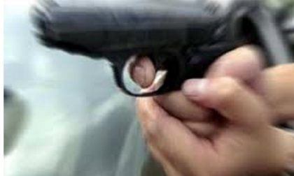 Banditi sparano a guardia giurata