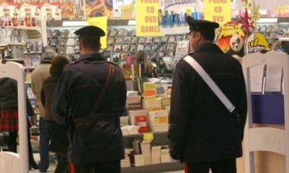 I carabinieri comprano i succhi rubati da un disoccupato alla Coop