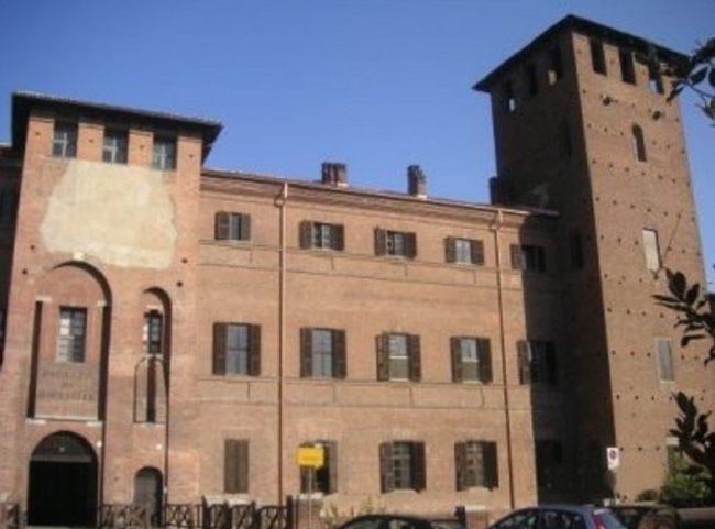 Vercelli, maltrattamenti in un asilo: arrestate tre maestre, 52 episodi di violenza