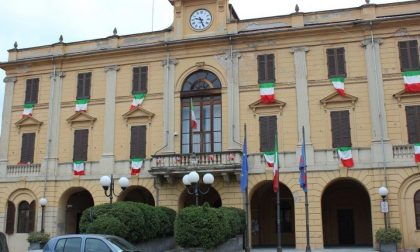 """M'illumino di meno"": luci spente in municipio"
