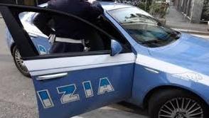 """Vercelli, """"spara"""" biglie di acciaio contro gli uffici della Posta"""