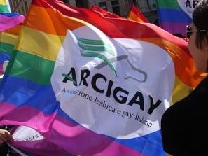 Aggressione omofoba a Valencia: la solidarietà di Arcigay Rainbow