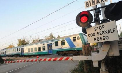 CRONACA: auto abbatte passaggio a livello. Linea da Mortara a Vercelli in difficoltà
