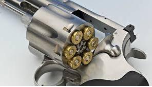 VERCELLI: 76enne denunciato, deteneva pistola illegale