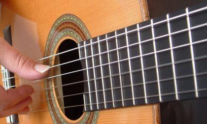 Corso gratuito di chitarra con Vercelli Rock School