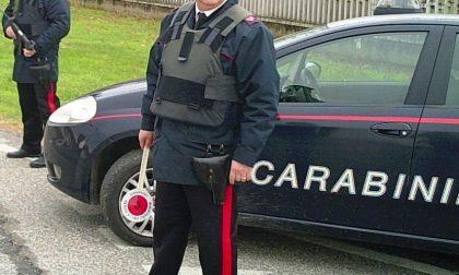 Si finge Carabiniere per truffare un'anziana