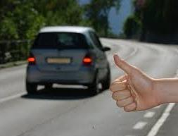 CRONACA: Occhio all'autostoppista ladro