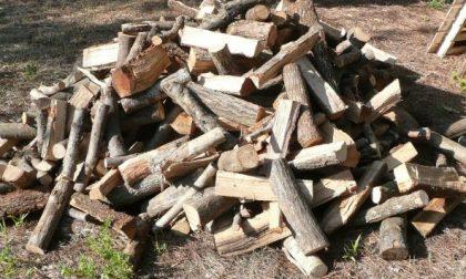 """Consegna di legna """"truffaldina"""": denunciato"""