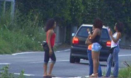 CRONACA: Un 47enne fermato con 4 prostitute in auto