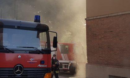 VERCELLI: I detriti di un incendio impestano un condominio…