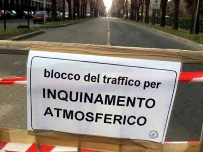 Smog, torna il blocco del traffico a Roma