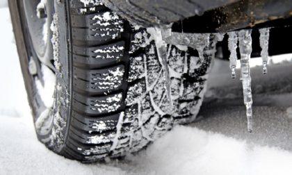 Catene o pneumatici invernali: dal 15 novembre scatta l'obbligo