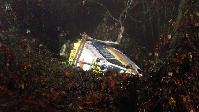 Ambulanza finisce nella scarpata a Pertusio: muore il paziente trasportato