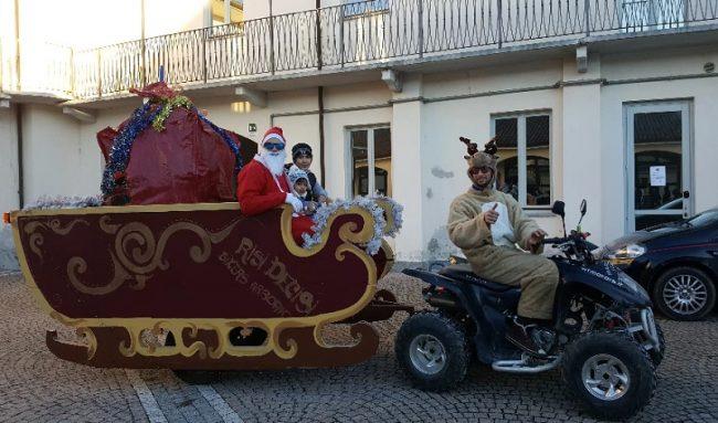 Babbo Natale licenzia le renne e usa il quad