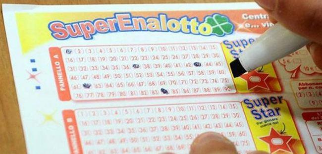 SuperEnalotto jackpot sfiorato con un cinque