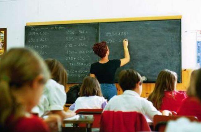 Scuola, maestre in sciopero l'8 gennaio