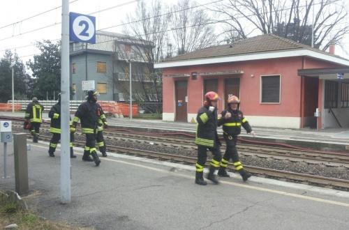 Uomo sotto al treno: disagi ferroviari tra Lombardia e Piemonte