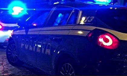 Due geni… Cercano di rubare un'auto davanti alla Questura, arrestati