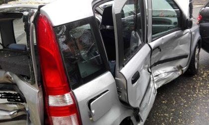 Mercedes contro Panda: incidente con un ferito a Vercelli