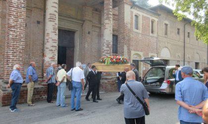I funerali di Bessi: in tanti per l'addio ad Antonello