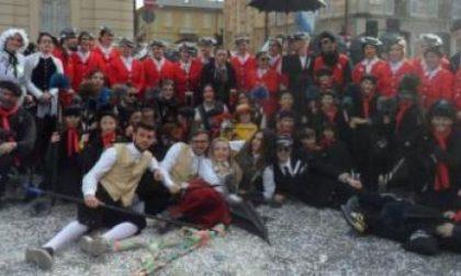Carnevale Vercelli: trionfo di pubblico per la prima sfilata