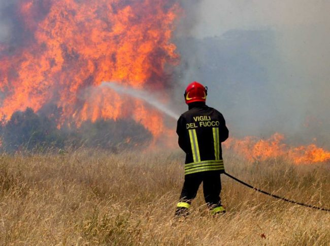 Campagne a fuoco a Motta: momenti di paura