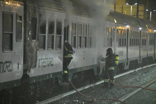 Incendio sul treno a Milano: il video