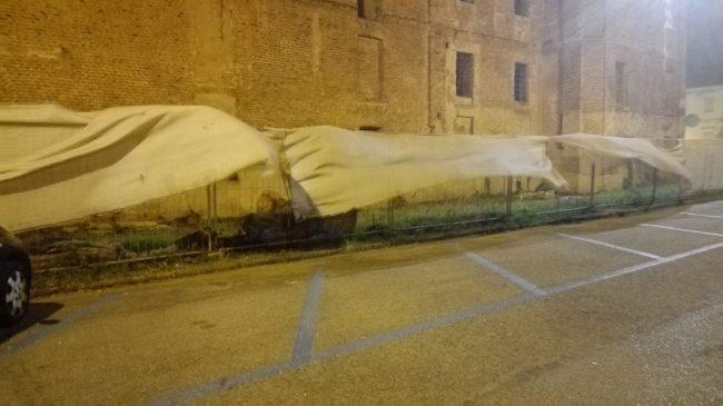 Bufera di vento: superlavoro dei Vigili del Fuoco