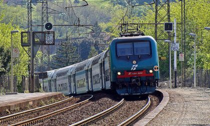 Gabusi risponde a Delmastro sui treni a capienza ridotta