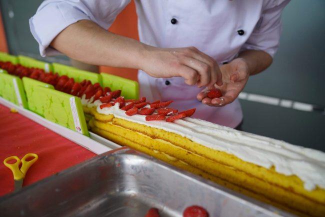 La torta di fragole più lunga del mondo è a San Mauro