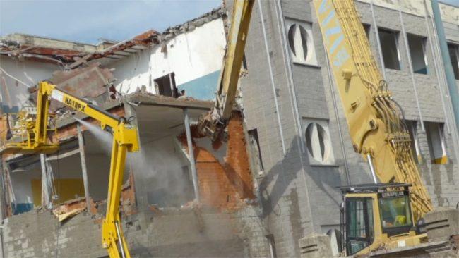 Demolizione Liceo Scientifico Vercelli: I VIDEO
