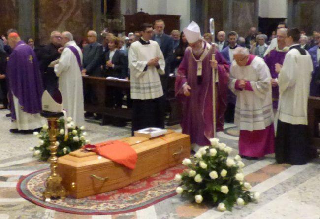 """L'addio a Masseroni: """"Pastore buono e cuore grande"""""""