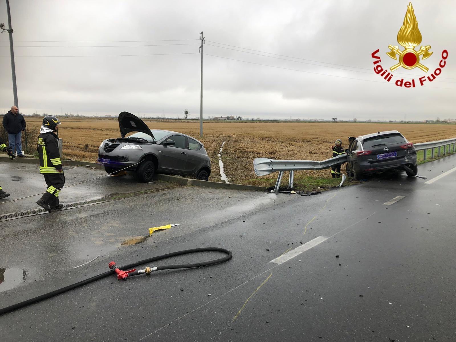 Coniugi feriti in incidente sulla strada per Trino - NotiziaOggi Vercelli