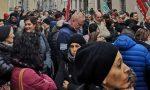 LivaNova (ex Sorin) licenzia 83 dipendenti: presidio sotto il palazzo di Confindustria LE FOTO