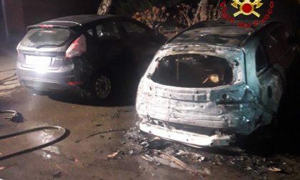 Fiamme in via Colombo: due auto coinvolte