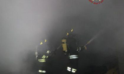 Incendio nella notte in un'abitazione