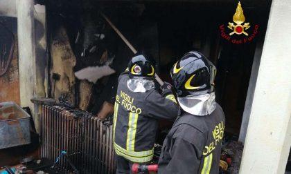 Balocco: deposito devastato dalle fiamme