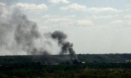 Mega incendio nel novarese: visibile da chilometri
