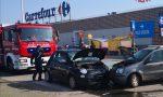 Incidente nel parcheggio: una persona ferita