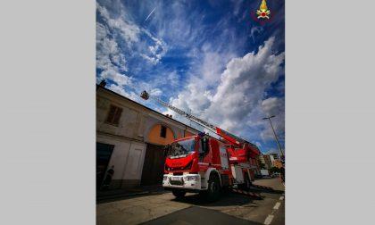 Crollo del tetto: intervengono i vigili del fuoco