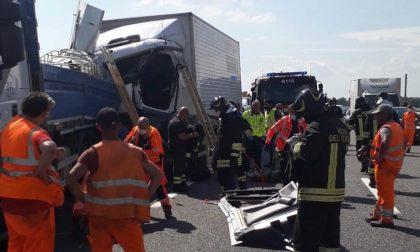 Incidente sull'A4 tra Greggio e Biandrate: codice giallo per un conducente