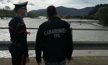 Carabinieri al lavoro per proteggere le opere d'arte dall'alluvione