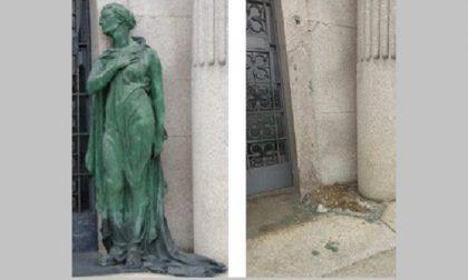 Cimitero monumentale: si rubano anche le statue