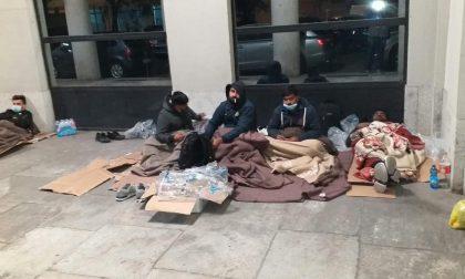 Migranti: istituzioni sempre assenti, in 16 seguiti da Vercelli Solidale