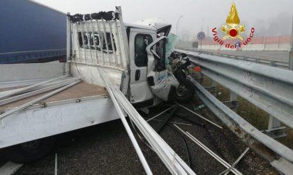 Incidente sulla A4 a Villarboit tre mezzi coinvolti